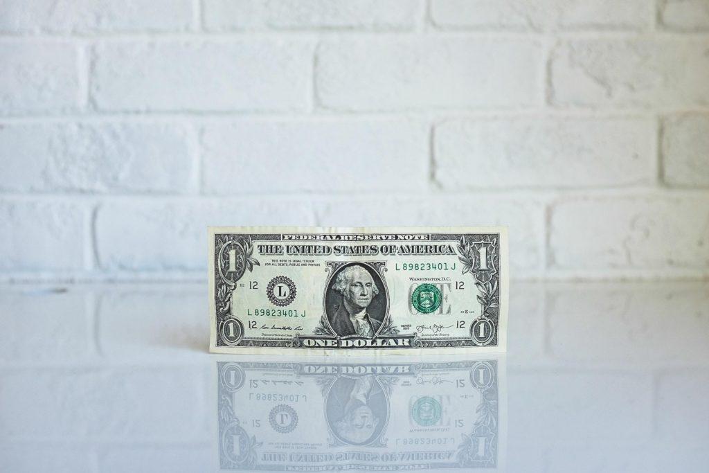Tie Compensation to Excellent Customer Service